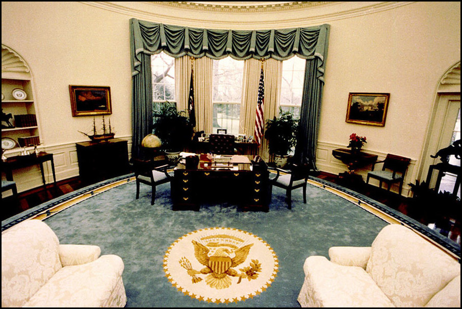 So did ronald reagan and bill clinton oval office decor h Oval office decor by president