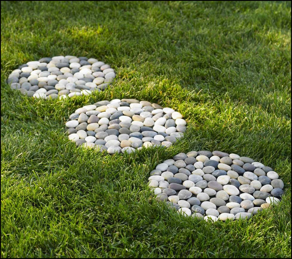 Greatest 25 Garden Stepping Stones Concepts On Pinterest |