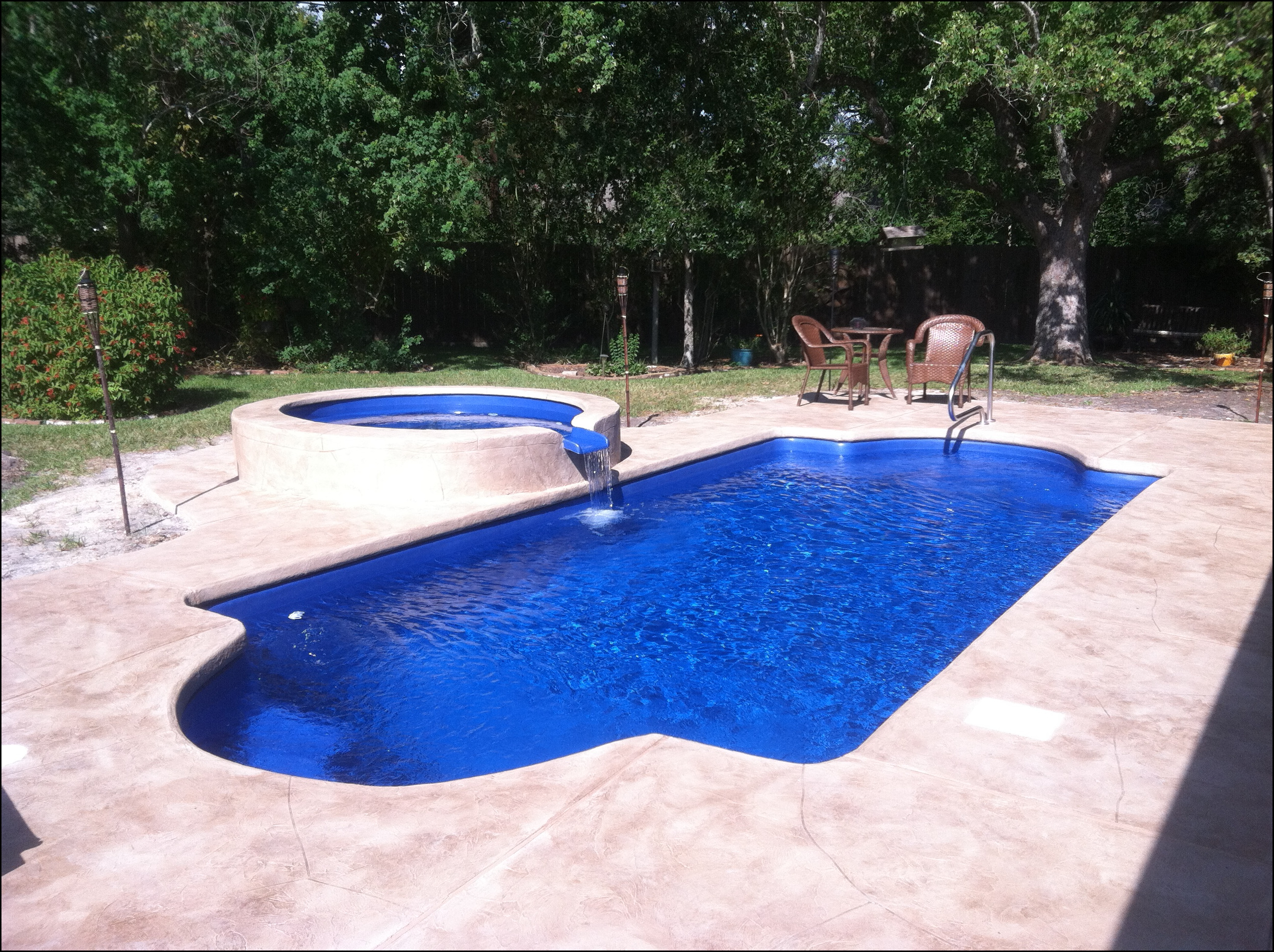 2017 discounter 39 s pool and spa for Fiberglass pool cost