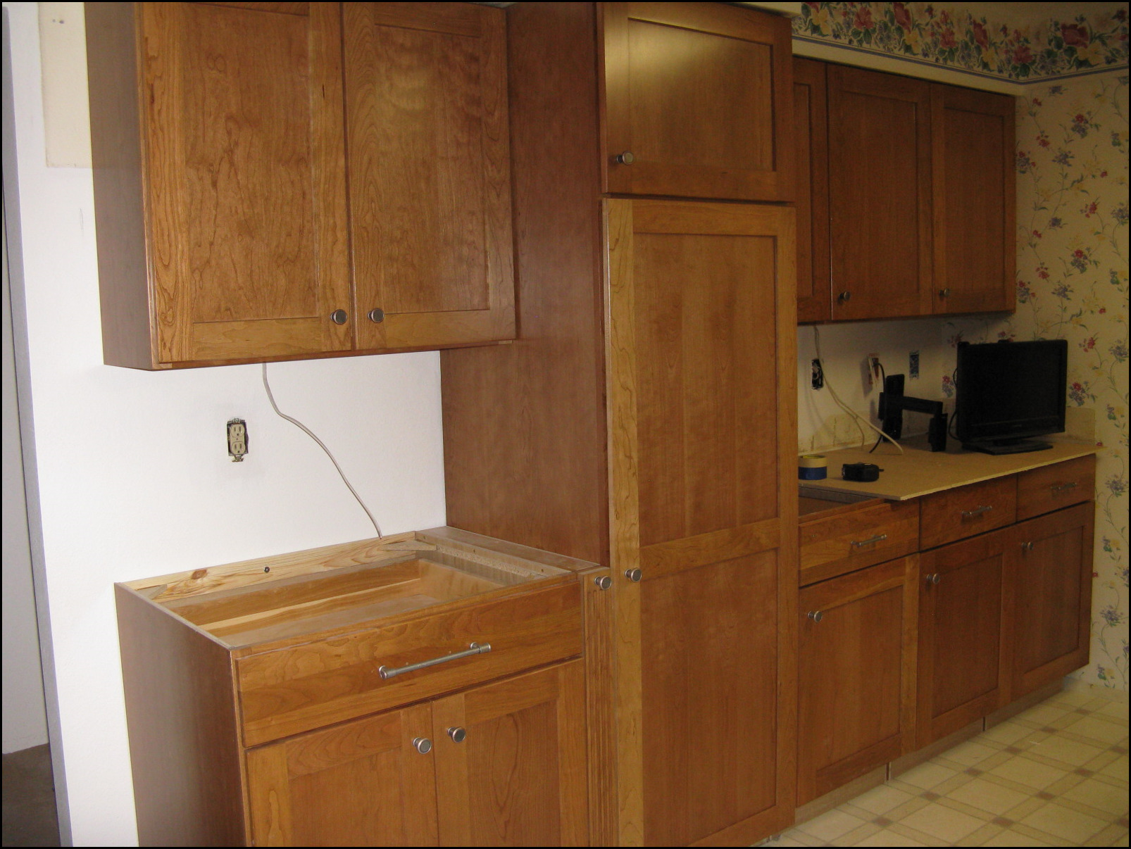 kitchen cabinet knob placement kitchen cabinets hardware placement faced 19018