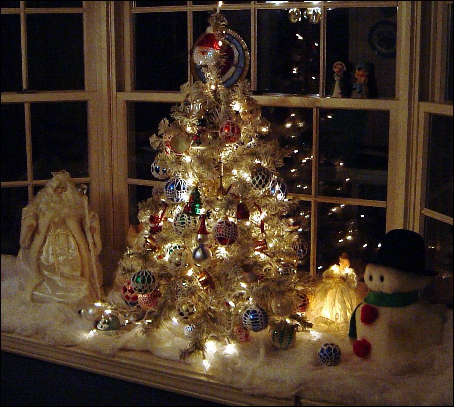 Pictures Of Homes Decorated For Christmas On The Inside 8