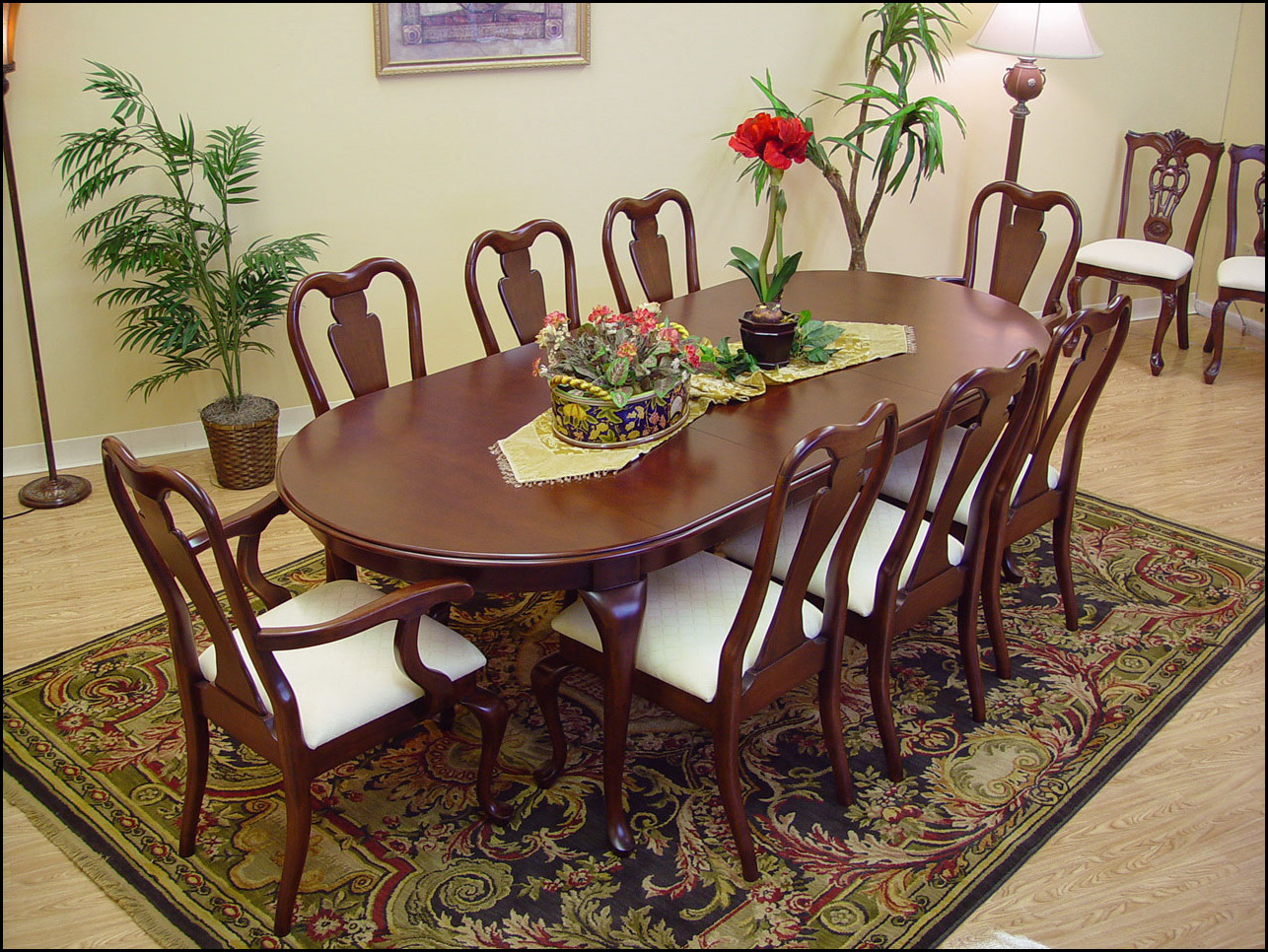 Excellent Queen Anne Furniture For Sale Queen Anne Dining Table And Chairs Queen Anne Bedroom