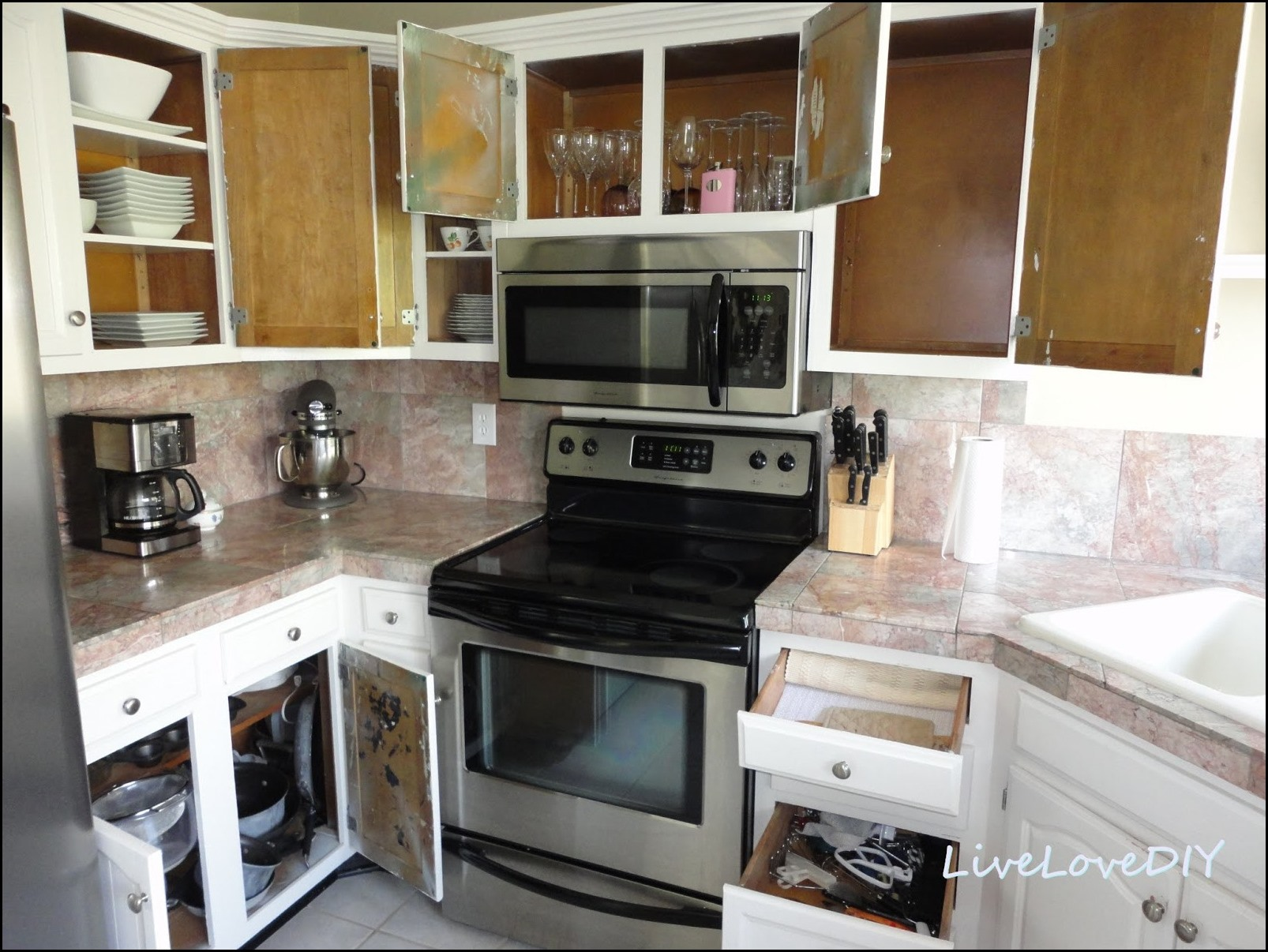 Merveilleux Should I Paint The Inside Of My Kitchen Cabinets 4