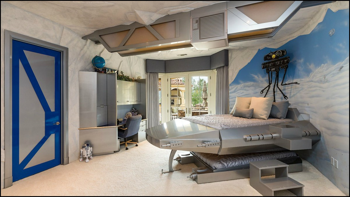 21 wonderfully geeky ways to create the perfect star wars. Black Bedroom Furniture Sets. Home Design Ideas