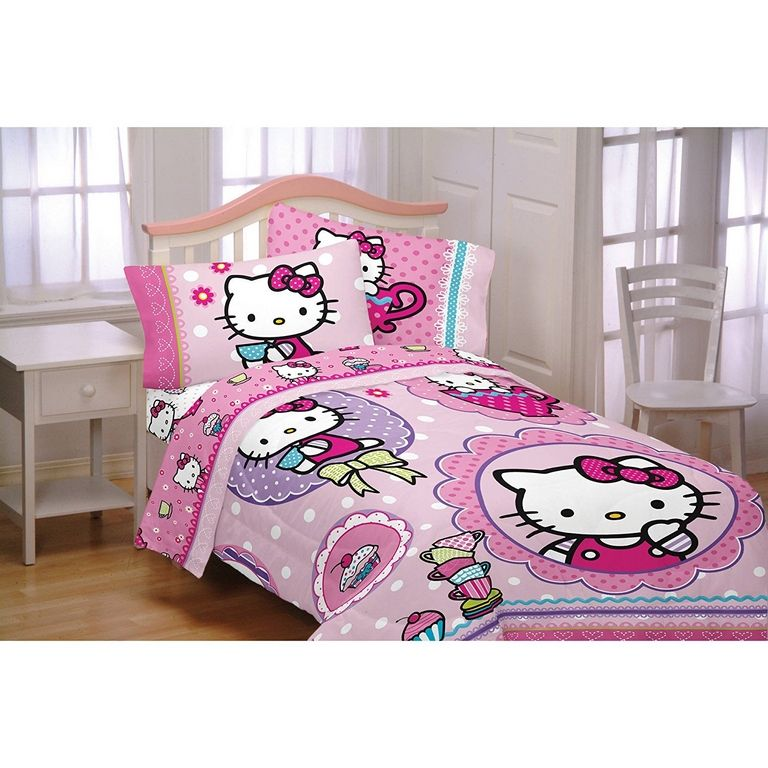 Hello Kitty Comforter Set Twin